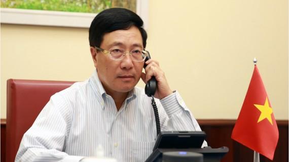 Phó Thủ tướng, Bộ trưởng Ngoại giao Phạm Bình Minh đã điện đàm với Ngoại trưởng Hoa Kỳ Michael Pompeo. Ảnh: VGP
