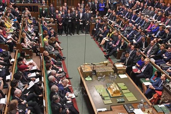 Toàn cảnh phiên họp Hạ viện Anh tại thủ đô London. Ảnh: AFP/TTXVN
