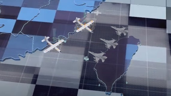 """Hình ảnh cắt từ video """"Thánh chiến H-6K tiến hành tấn công"""" được công bố trên tài khoản weibo của Không quân Trung Quốc hôm 19-9"""