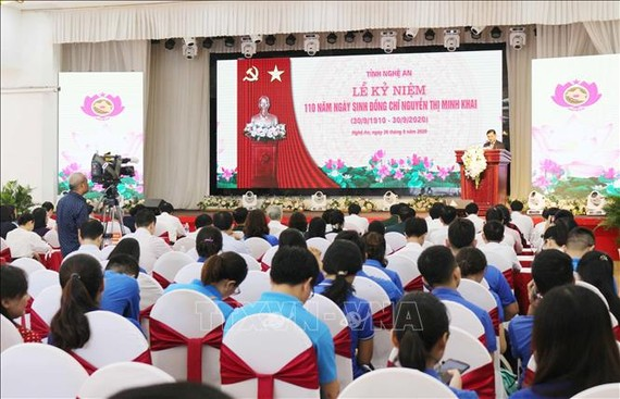 Quang cảnh lễ kỷ niệm 110 năm ngày sinh đồng chí Nguyễn Thị Minh Khai. Ảnh: TTXVN