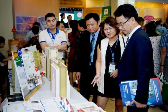 PGS-TS Vũ Ngọc Anh, Vụ trưởng, Vụ KHCN & Môi trường trao đổi về các giải pháp chống cháy toàn diện của Saint-Gobain