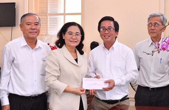Chủ tịch HĐND TPHCM Nguyễn Thị Lệ thăm Báo Công giáo và Dân tộc. Ảnh: VIỆT DŨNG