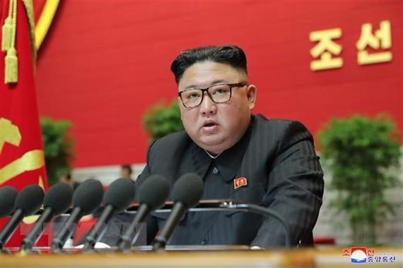 Nhà lãnh đạo Triều Tiên Kim Jong-un phát biểu tại Đại hội lần thứ VIII đảng Lao động Triều Tiên ở Bình Nhưỡng. Ảnh: KCNA/TTXVN