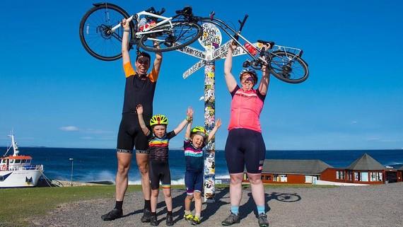 Gia đình xe đạp