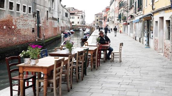 Khách du lịch vắng bóng tại Italy vì dịch Covid-19