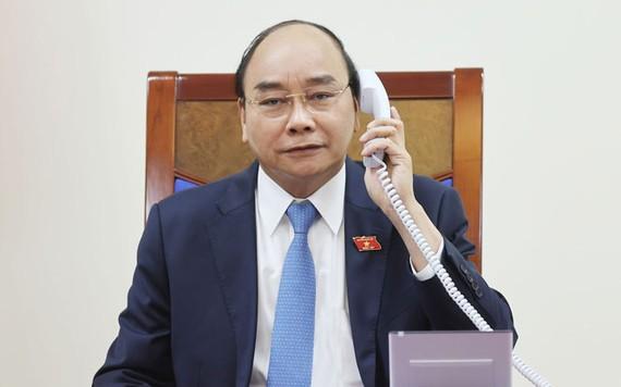 Thủ tướng Nguyễn Xuân Phúc tại cuộc điện đàm