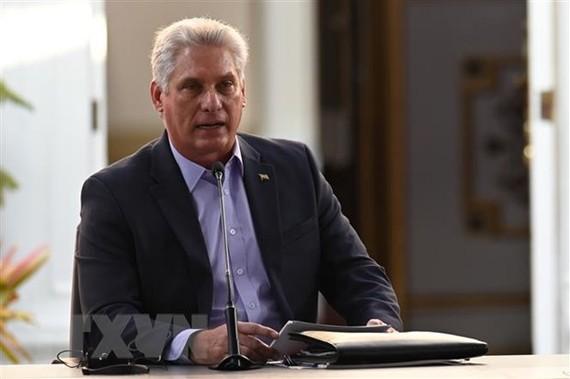 Ông Miguel Díaz-Canel Bermúdez phát biểu tại một diễn đàn ở Caracas. Ảnh: AFP/TTXVN