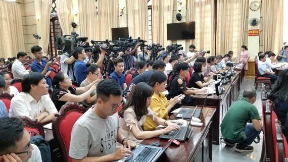Quang cảnh buổi giao ban báo chí