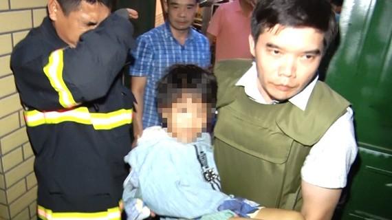 Lực lượng chức năng tỉnh Bắc Ninh giải cứu thành công bé gái bị cha bạo hành