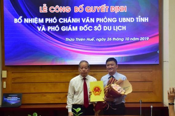 Ông Phan Lê Hiến nhận quyết định bổ nhiệm làm Phó Chánh Văn phòng UBND tỉnh Thừa Thiên – Huế 