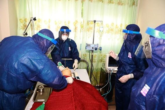 Diễn tập chống dịch bệnh viêm phổi cấp do virus corona (nCoV) gây ra tại Bệnh viện Trung ương Huế cơ sở 2 