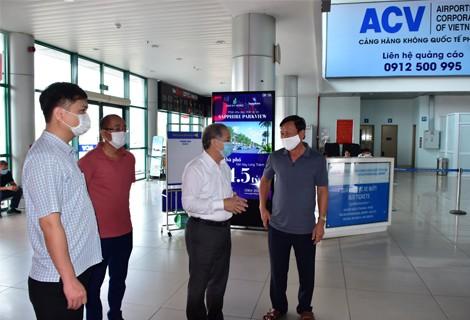Lãnh đạo tỉnh Thừa Thiên - Huế kiểm tra công tác phòng chống dịch bệnh Covid-19 tại khu vực sân bay Phú Bài