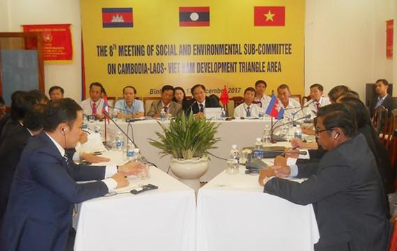 Hội nghị Tiểu ban địa phương lần thứ 9 Khu vực Tam giác phát triển Campuchia – Lào – Việt Nam diễn ra sáng 17-12