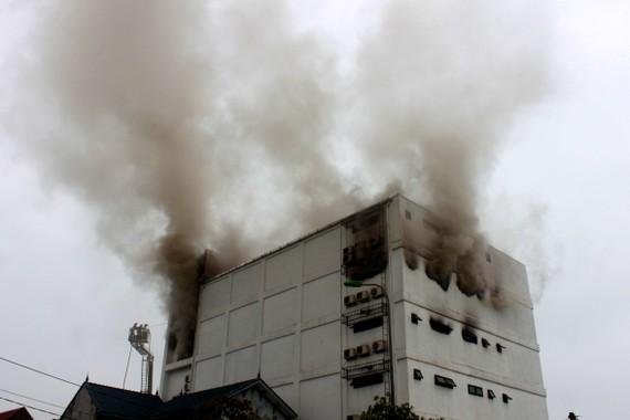 Hiện trường vụ cháy tại quán Karaoke Kingdom Club