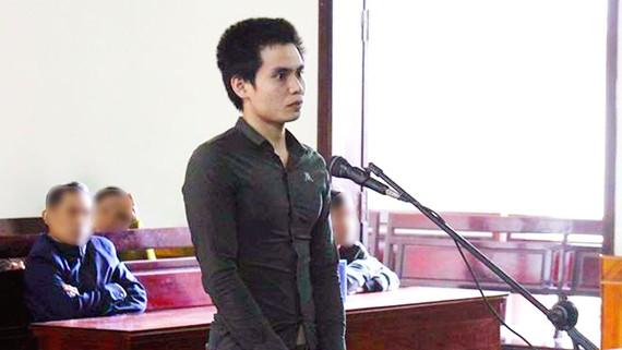 Bị cáo Nguyễn Quyết Thắng tại tòa