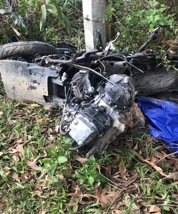 Xe máy bị hư hỏng biến dạng sau tai nạn