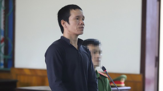 Bị cáo Nguyễn Tiến Hùng tại phiên tòa