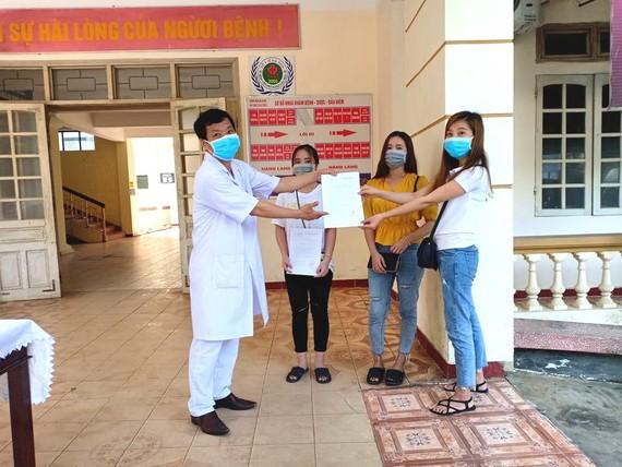 Các bệnh nhân đã được điều trị khỏi bệnh nhận thủ tục ra viện