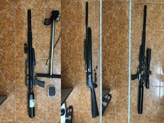 Lực lượng công an thu giữ súng tự chế và đạn