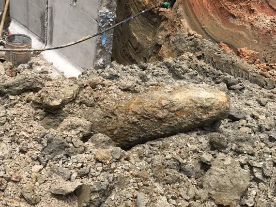 Quả bom nằm dưới nền đường ở phường Hà Huy Tập, TP Hà Tĩnh