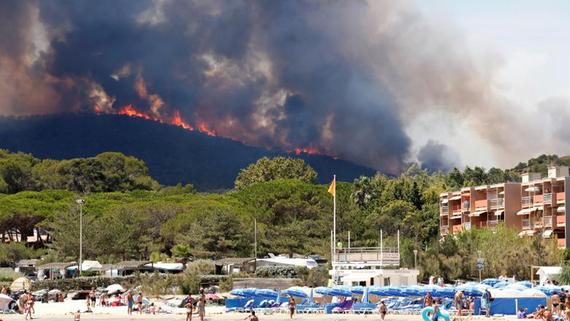 Các vụ cháy rừng ở Pháp kêu gọi khẩn cấp. Ảnh: REUTERS