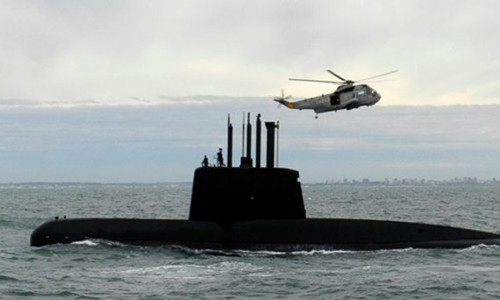 Tàu ngầm ARA San Juan tham gia một chiến dịch trên biển hồi năm 2013. Ảnh: AP