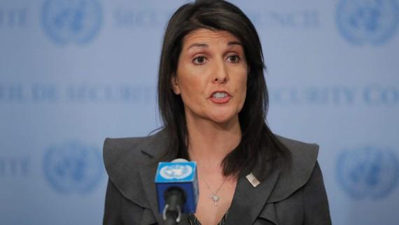 Đại sứ Mỹ tại Liên hợp quốc Nikki Haley ngày 2-1 tuyên bố Washington sẽ rút khoản viện trợ 255 triệu USD dành cho Pakistan. Ảnh: REUTERS