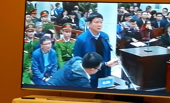 Ông Đinh La Thăng tại phiên tòa sáng ngày 8-1. Ảnh: QUỐC KHÁNH