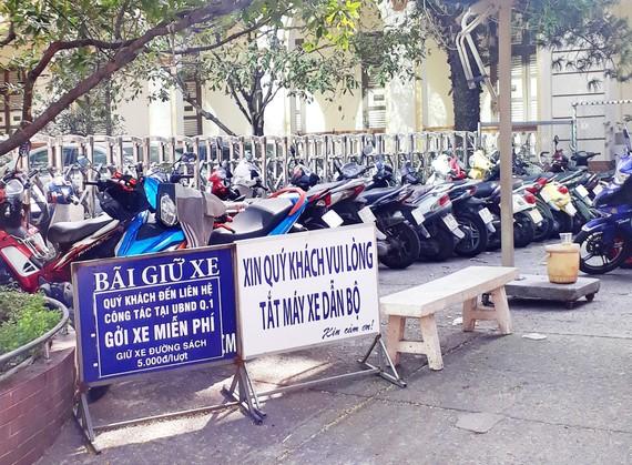 Miễn phí giữ xe người dân đến trụ sở UBND quận 1