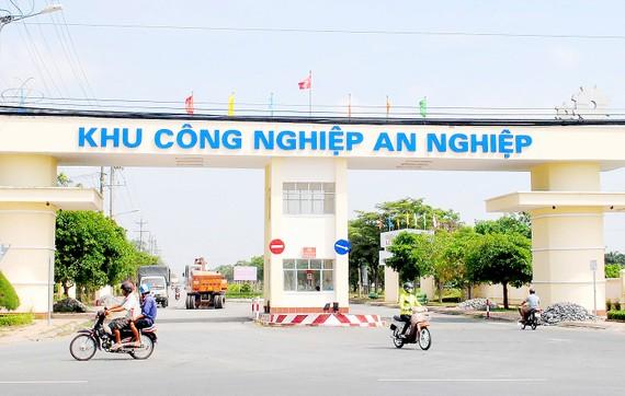 Khu công nghiệp An Nghiệp - nơi tập trung nhiều doanh nghiệp đầu tư tại tỉnh Sóc Trăng. Ảnh: NGỌC CHÁNH
