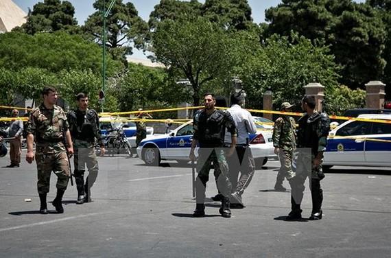 Cảnh sát Iran làm nhiệm vụ ở Tehran. Nguồn: TTXVN