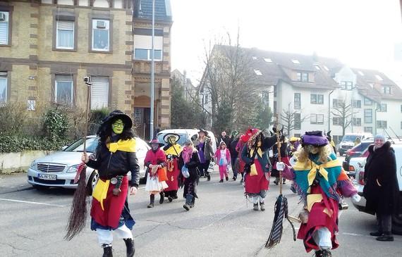 Lễ hội hóa trang phù thủy - Dị và quậy
