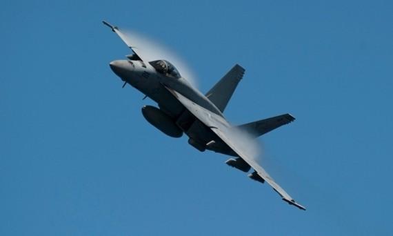 Một tiêm kích F-18. Ảnh: US Navy