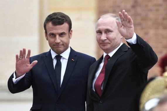 Tổng thống Nga Vladimir Putin và Tổng thống Pháp Emmanuel Macron cùng tham gia SPIEF 2018