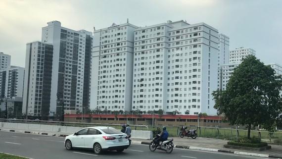 Căn hộ giá trung bình dẫn đầu thị trường nhờ cải thiện về dịch vụ xây dựng, tiện ích                                                      (Ảnh: Một dự án tại quận 2)                               Ảnh: HUY ANH