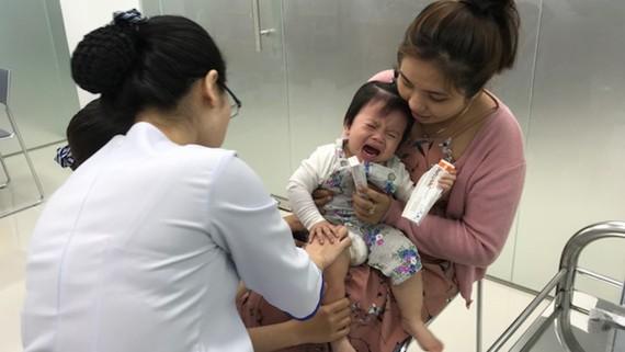 Trẻ được tiêm chủng tại Trung tâm VNVC Bình Dương