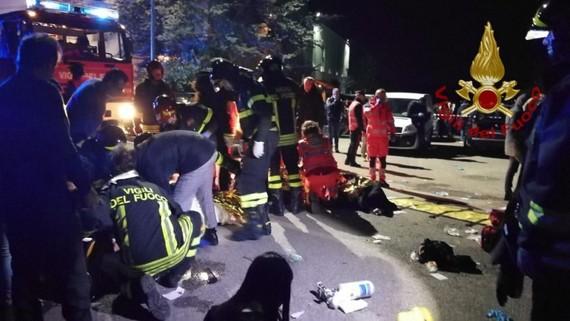 Lực lượng chức năng có mặt tại hiện trường vụ giẫm đạp khiến hơn 120 người thương vong. Ảnh: TWITTER