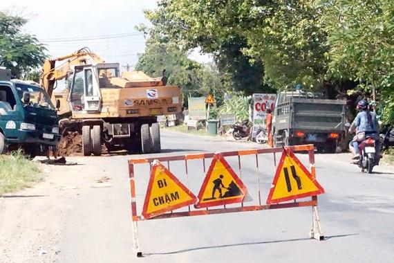 Quốc lộ 62, đoạn qua địa bàn tỉnh Long An đang xuống cấp nghiêm trọng Ảnh: PHAN THANH