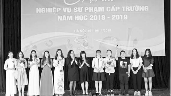 Sinh viên Đại học Sư phạm Hà Nội tham gia hội thi nghiệp vụ sư phạm