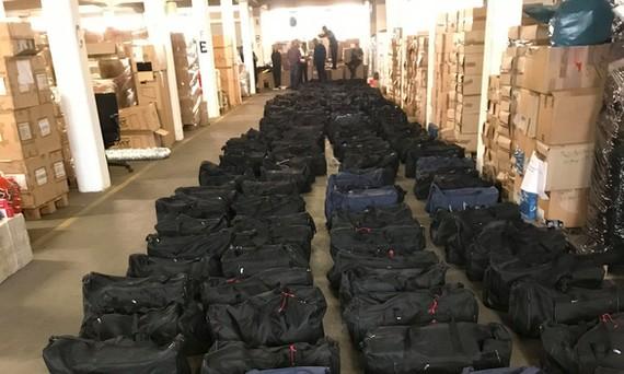 Hàng trăm chiếc túi chứa đầy cocaine bị bắt tại Hamburg