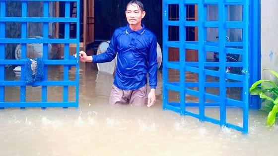 Nhà dân tại đảo ngọc Phú Quốc (Kiên Giang) bị ngập sâu vào ngày 8-8