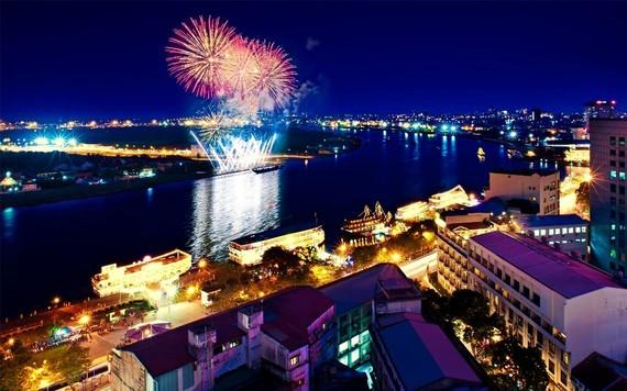 Dịp quốc khánh 2-9 năm nay, thực khách có dịp ngắm pháo hoa tại TPHCM từ các khách sạn tại trung tâm của Saigontourist