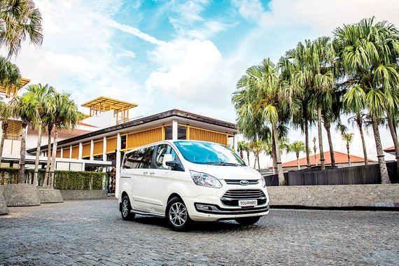 Trải nghiệm Ford Tourneo mới - Đẳng cấp doanh nhân, tiện nghi và êm ái