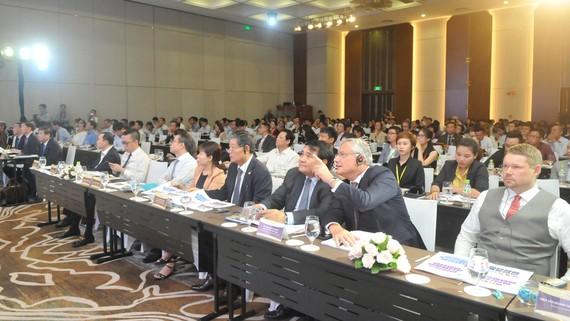 Các đại biểu tham dự hội nghị đầu tư và xuất khẩu TPHCM. Ảnh: CAO THĂNG