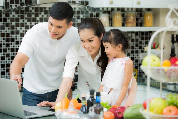 Thông qua trang Thông tin Hợp đồng Bảo hiểm Trực tuyến của Chubb Life Việt Nam, khách hàng có thể kiểm tra thông tin về Hợp đồng bảo hiểm một cách dễ dàng