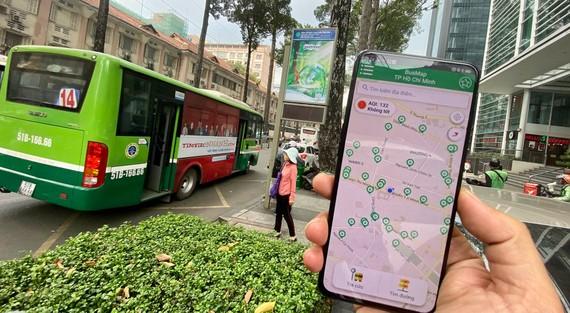 Dễ dàng tìm xe, tìm bến xe buýt với ứng dụng BusMap. Ảnh: T. BA