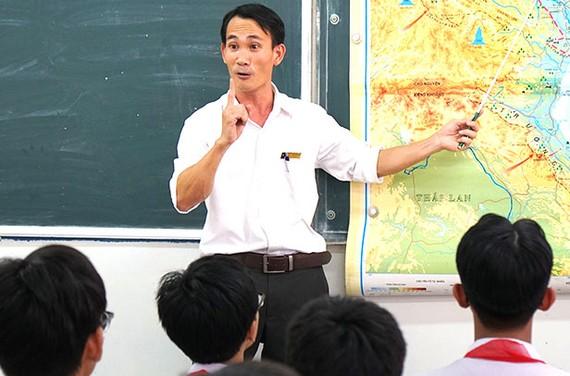 Thầy Lê Cảnh Thạnh, giáo viên Trường THCS Võ Văn Tần  (quận Tân Bình)