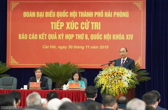 Thủ tướng phát biểu tại cuộc tiếp xúc cử tri. Ảnh: VGP