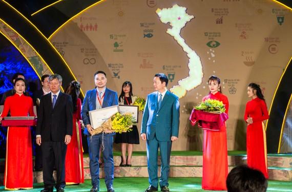 """Unilever Việt Nam vừa được vinh danh """"Top 10 Doanh nghiệp bền vững nhất Việt Nam 2019"""""""