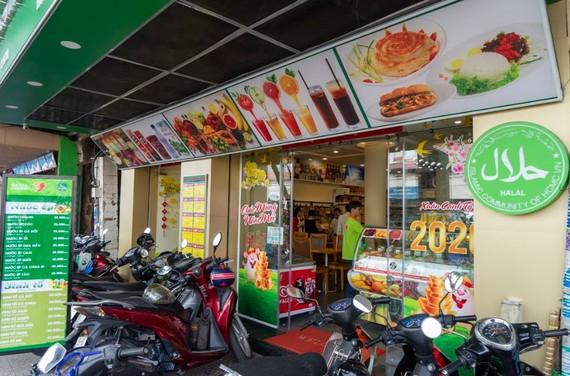 Khai trương cửa hàng Satrafoods đầu tiên đạt chuẩn Halal